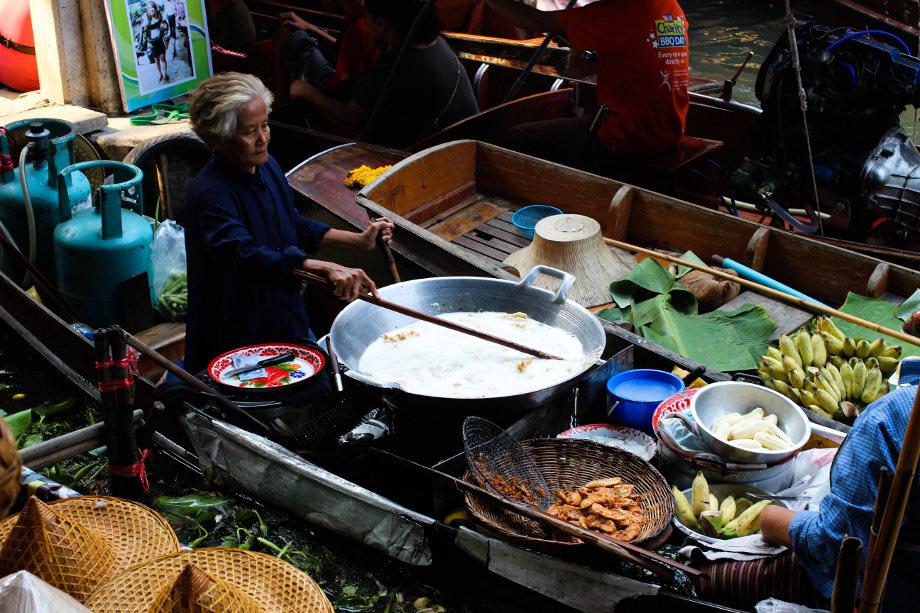 mercati-flottanti-bangkok-12.jpg